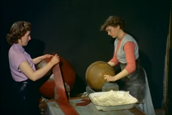 Enchanting Video Shows How Globes Were Made by Hand in 1955: The End of a 500-Year Tradition