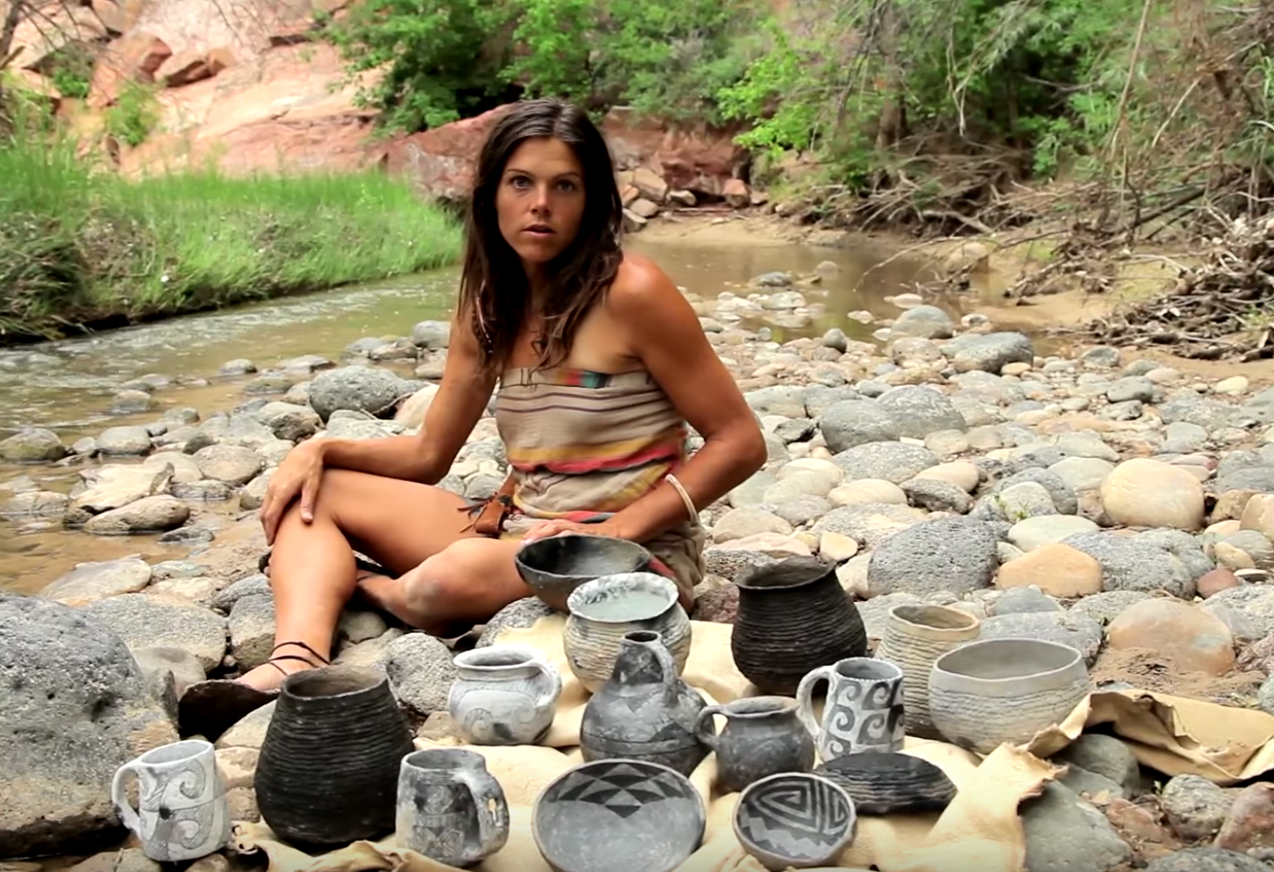 """""""Primitive Potter"""" Travels into the Backcountry for 10 Days with Only a Knife & Buckskin and Makes Anasazi Pottery"""