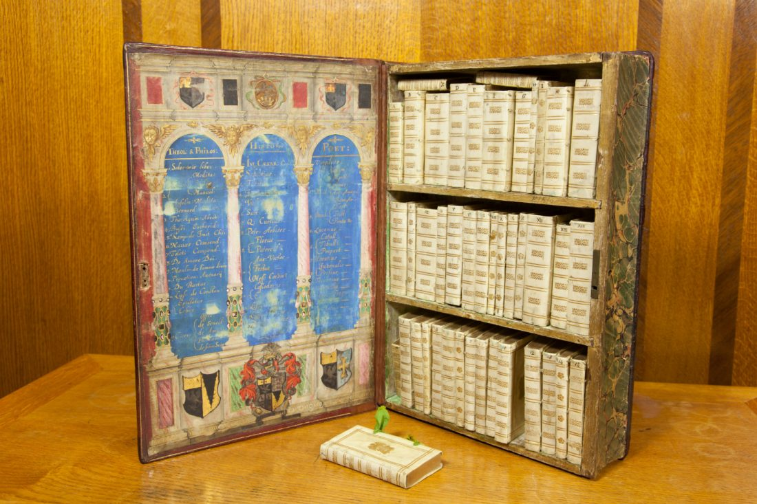 Discover the Jacobean Traveling Library: The 17th Century Precursor to the Kindle