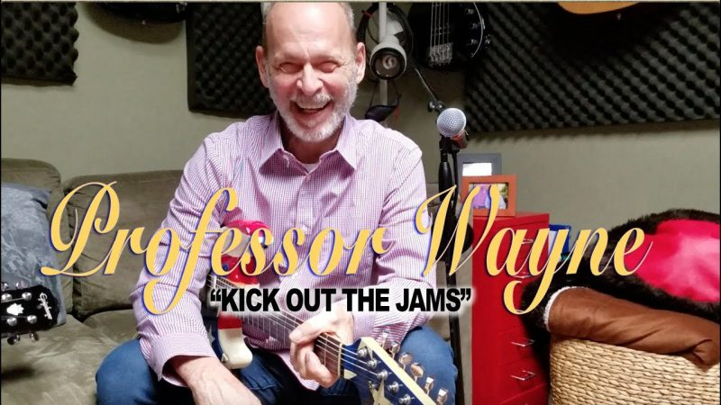 """The MC5's Wayne Kramer Demonstrates the Correct & Official Way to Play """"Kick Out the Jams"""" on the Guitar"""