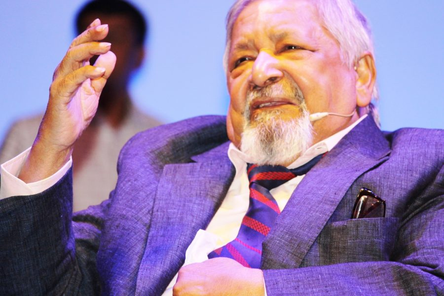 V.S. Naipaul Creates a List of 7 Rules for Beginning Writers