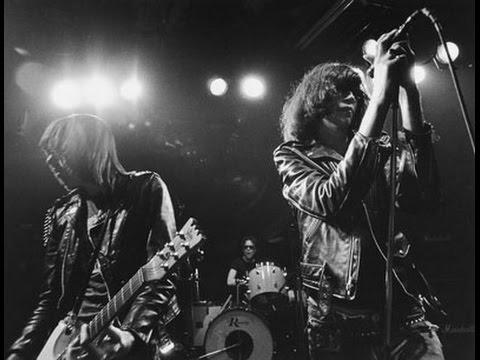 Un mondo meraviglioso. Ramones-Live-At-The-Rainbow-December-31-1977