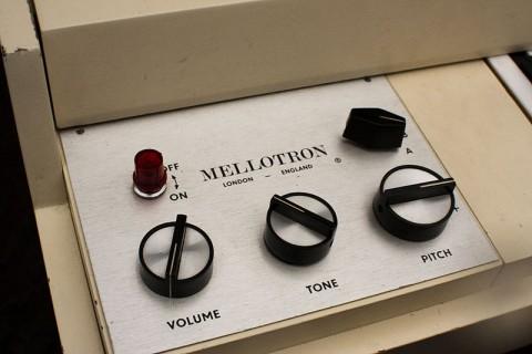 800px-MELLOTRON_(panel)