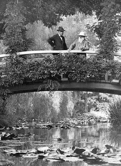 Monet_on-bridge_New_York_Times_1922