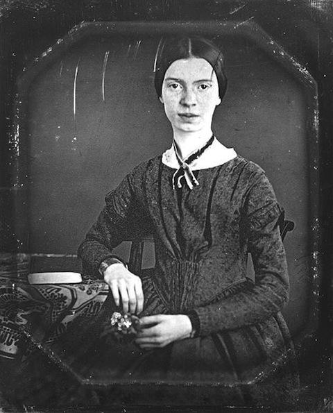 483px-Emily_Dickinson_daguerreotype