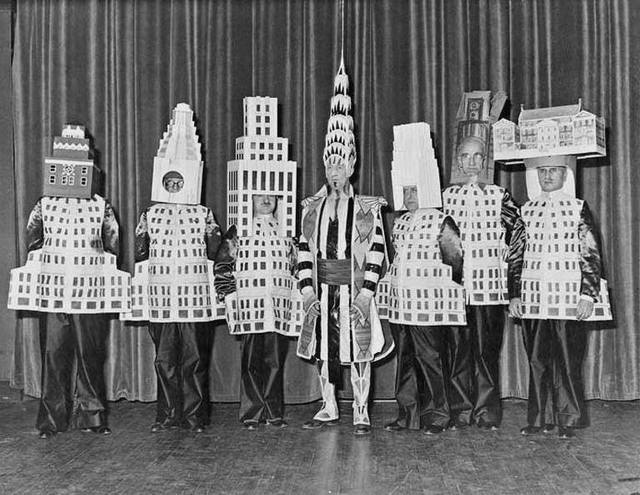 Architects-Dressed-As-Their-Buildings