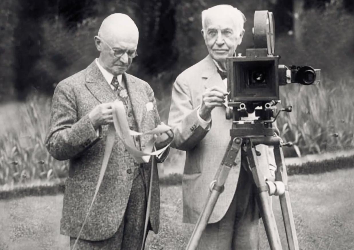 Резултат с изображение за lumiere brothers camera