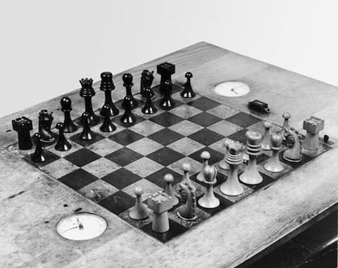 Nice Duchamp_ba_chess_set_proa