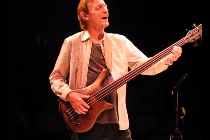 Jack Bruce Basses : behold the blistering bass solos of cream bassist and singer jack bruce 1943 2014 open culture ~ Vivirlamusica.com Haus und Dekorationen