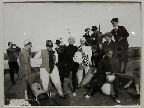 bauhaus-costumes-3