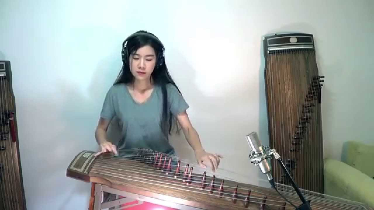 """Radiohead's """"Creep"""" Played on the Gayageum, a Korean Instrument Dating Back to the 6th Century"""