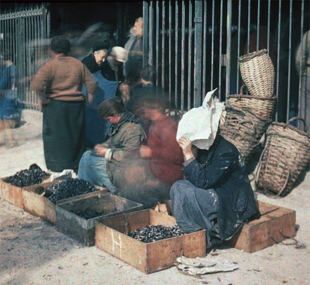 Parisian Coal vendors