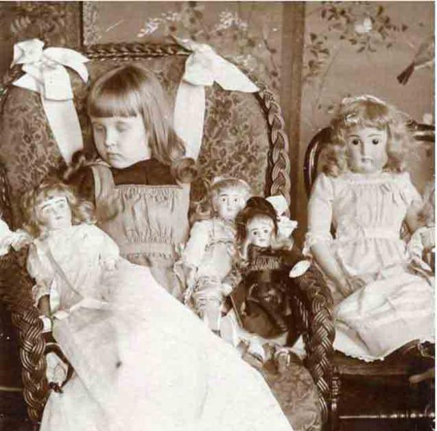 victoriaanse-post-mortem-fotografie-op-de-foto-met-1