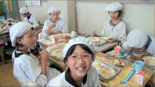 persuasive essays on school lunch School lunch menu there is a rotation at school, and it is up to you and your class to come up with a lunch menu for the week  persuasive writing prompts: 4th grade persuasive writing.