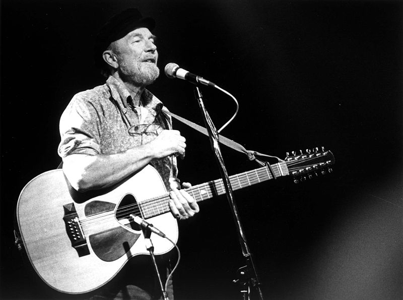 800px-pete_seeger_1986