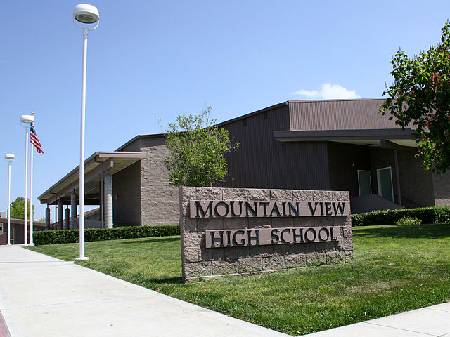 640px-mountain_view_high_school_building